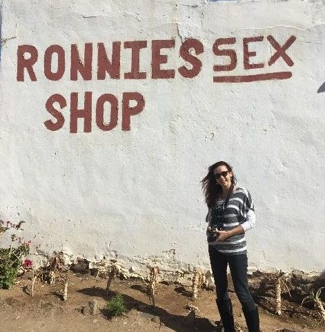 ronnie-sex-shop